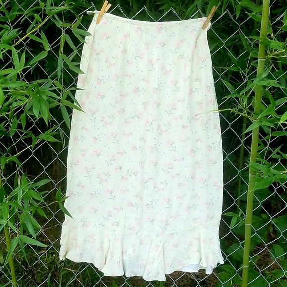 Christopher & Banks Dresses & Skirts - C&B pretty skirt with flounce